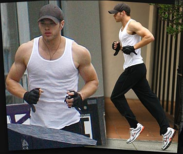 Kellan Lutz Runs from Twilight Convention