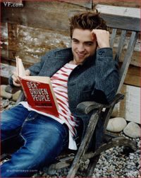 Robert-Pattinson_Vanity-Fair_110309-4