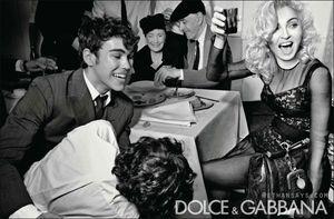 Madonna_DG_W2011_9
