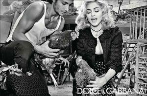 Madonna_DG_W2011_3