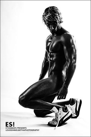 Louis-daniel-botha-photography_implied-physique-3