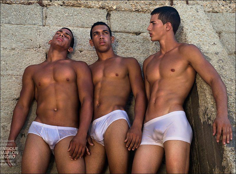 roma escorts neri gay nudi